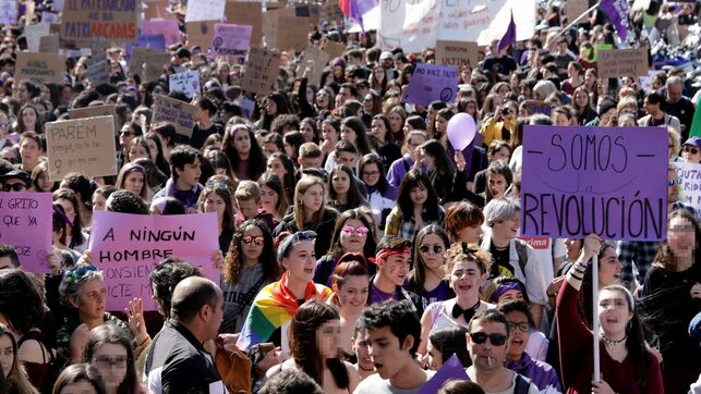 Barcelona huelga feminista del 8M en institutos y universidades EFE